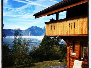 Authentic Swiss Chalet with Splendid Alps & Lake View, Sigriswil