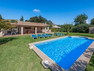 3 BEDROOM VILLA IN THE COUNTRYSIDE AND ONLY 5 MINUTES DRIVE TO BEACHES.