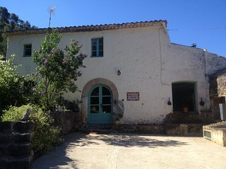 S.XVIII Vineyard Farm House near Sitges, Sant Pere de Ribes