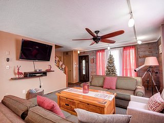 Northern Pines Retreat Flagstaff's newest pet friendly Vacation home!