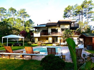 Villa in the Pine Forest: Beach, Surf and Zen Attitude