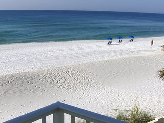 Beach front pet friendly GORGEOUS views!!!, Fort Walton Beach