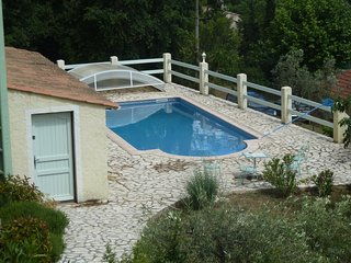 Villa Didoudam, 3 pieces, piscine, grand terrain 2000 m2, 2kms du village