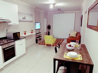 2nd Floor 2 Bedroom Apartment - Umhlanga