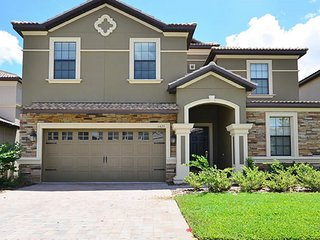 Stunning House near Disney! 8BED 5BATH, POOL, SPA , GAME ROOM w POOL TABLE, Loughman