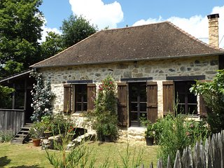 Cottage situated in the Dordogne/Limousin region in beautiful countryside., Château-Chervix
