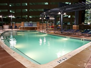 Spacious WaterFront District Resort for Katsucon!