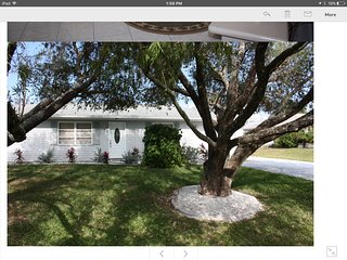 BRIGHT & INVITING-DISH TV -WIFI-NEWER KITCHEN & BATHS -CLOSE TO BEACHES & GOLF, Englewood