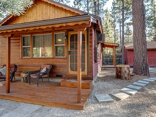 Phil's Mountain Hideout: Beautiful, Updated and Pet-Friendly Cabin for 4+