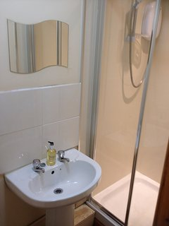 En-suite shower room with double shower