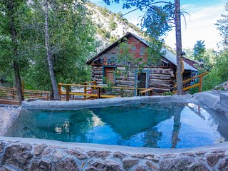 Merrifield Homestead Cabins & Hotsprings/Holloway Cabin, Buena Vista