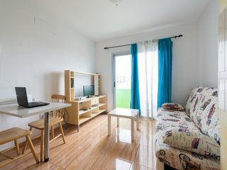 APARTMENT IN VECINDARIO FAYCAN 2A, Vecindario