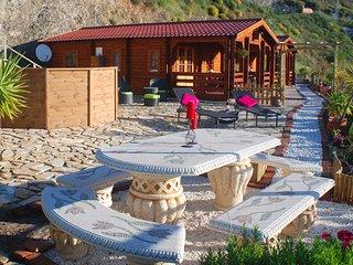 Idyllisch gelegenes Holzhaus mit traumhaften Meerblick  Casa Mariposa, Maro