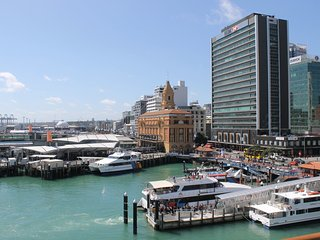 Auckland Waterfront  Luxury Apartment on Princes Wharf - work - rest - play