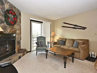 Eagles Nest is ground floor condo just steps from the ski lift at Timberline!