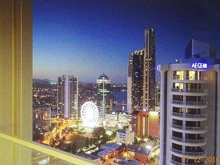Q1 Resort, 3 Bedrooms, 2 baths, Ocean View, FREE Wifi, Secure parking. Area150sq, Surfers Paradise
