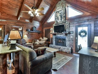 Paddle Over to the Perfect Cabin, Ridgedale