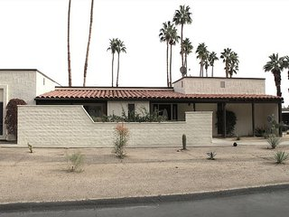 2BR, 2BA de Anza Villa with Borrego Springs Mountain Views, Pool, and Spa