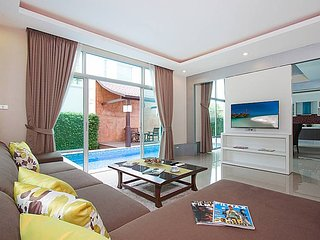 Villa Modernity A | 3 Bed Luxury Pool Villa near Pattaya City