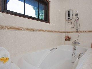 Chiang Mai Holiday Villa 8007