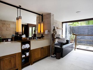 5 Star 9 Bedroom Private Luxury Resort