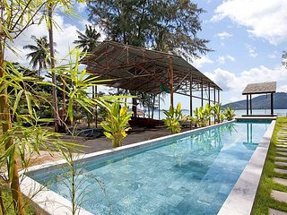 Friendship Villa No.7 | 2 Bed Beachfront Pool Villa Friendship Beach Phuket