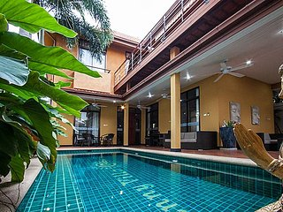 Sunny Villa | 4 Bed Property with Private Pool in Jomtien South Pattaya
