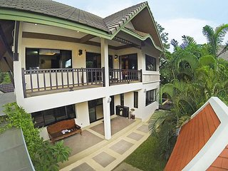Baan Kon Lafun | 3 Bed Modern Asian Pool Home in Central Pattaya