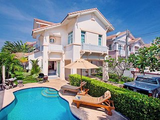 Jomtien Ascension A | 3 Bed Pool Villa Near Jomtien Beach Pattaya