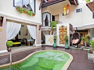Jomtien Lotus Villa | 8 Bed Ultra Luxury Pool House in South Pattaya