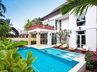 Jomtien Waree 4 | 4 Bed Pool Villa near Na Jomtien Beach South Pattaya