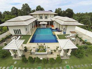 Huay Yai Manor | 7 Bed Villa with Swimming Pool in Southern Pattaya, Jomtien Beach