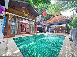 Baan Ruean Thai | 6 Bed Thai Style Villa with Pool in Jomtien Pattaya, Jomtien Beach