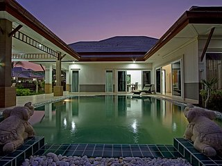 Thammachat P3 Vints 140 | 5 Bed Pool House in Family Resort Pattaya