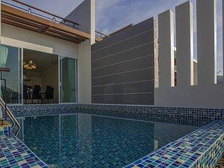 Kata Horizon Villa B2 - 4 Bedroom Pool Villa With Sea Views in Phuket