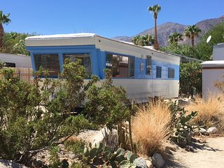 Vintage Trailer Glamping - Stay in the middle of the desert in a vintage trailer, Borrego Springs