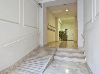 Chic Paseo Gracia Apartment 5 pax