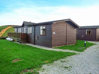 LODGE 19, holiday park, indoor heated swimming pool, dog-friendly, Milbrook, Ref 944462, Cawsand