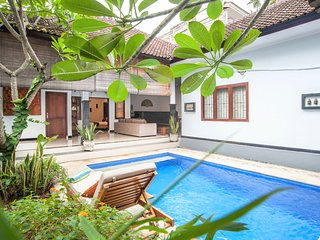 Cute 2BR Villa near KuDeTa beach