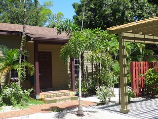 Green Palm Cottage - Green Palm Villa Vacation Rentals