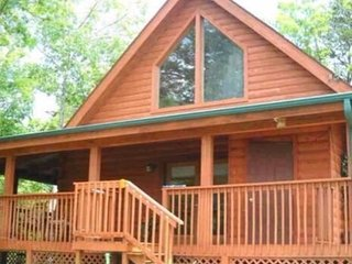 New to the Market!  Smoky Mountain Lakeside Getaway