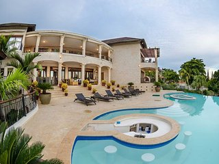 Casa de Campo 821 - Ideal for Couples and Families, Beautiful Pool and Beach