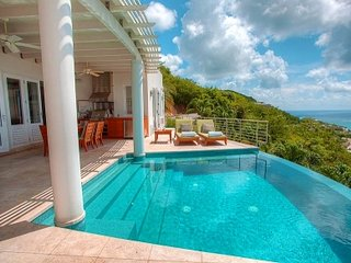 Beautiful 2 Bedroom Villa in St. Thomas