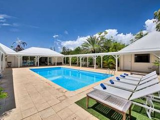 Beautiful 3 Bedroom Villa in Terres Basses