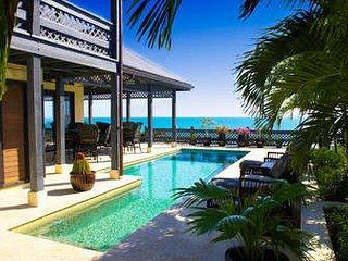 Exquisite 5 Bedroom Oceanfront Villa with Pool in Providenciales
