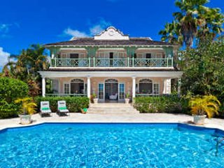Gorgeous 4 Bedroom Villa in Sugar Hill