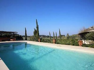 Beautiful Provencal 5 Bedroom Villa at The Foot of The Alpilles Mountains