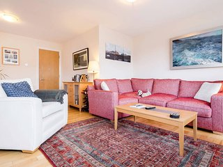 Outstandingly Central Oxford Circus 2 bed 2 bath!, London