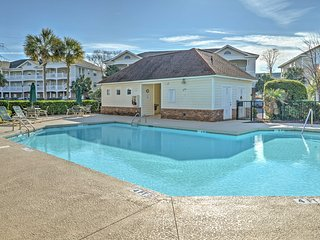 NEW! 2BR Myrtle Beach Condo w/Community Pool!