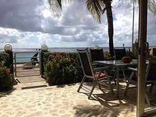 Ocean front Villa! Dive Out Front Door! Best value